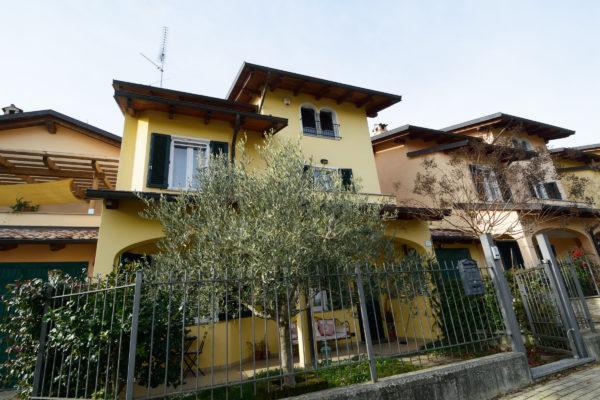 SALUSSOLA Vigellio villa recente
