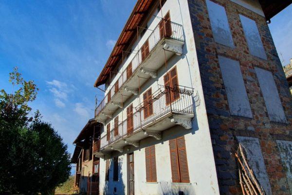 LESSONA Villa singola con terreno