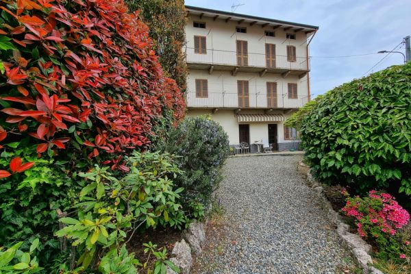 COSSATO - Casa semi indipendente con cortile privato