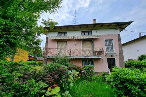 COSSATO - Casa singola con giardino